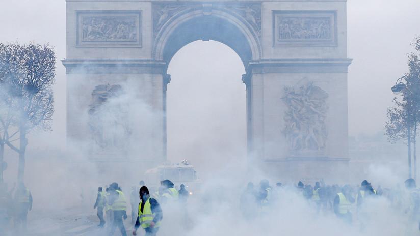 "Periodista de RT herido en las protestas de París: ""En ese momento disparaban por todas partes"""