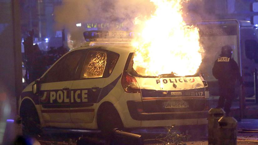 Los disturbios urbanos más violentos en Francia en una década, en impactantes fotos