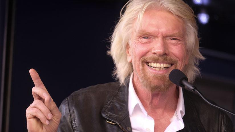 Branson dice que Virgin Galactic llevará pasajeros al espacio antes de Navidad