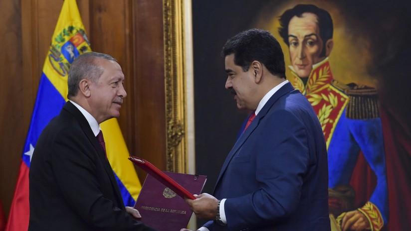 """Venezuela y Turquía firman siete acuerdos en la """"nueva etapa"""" de la relación bilateral"""