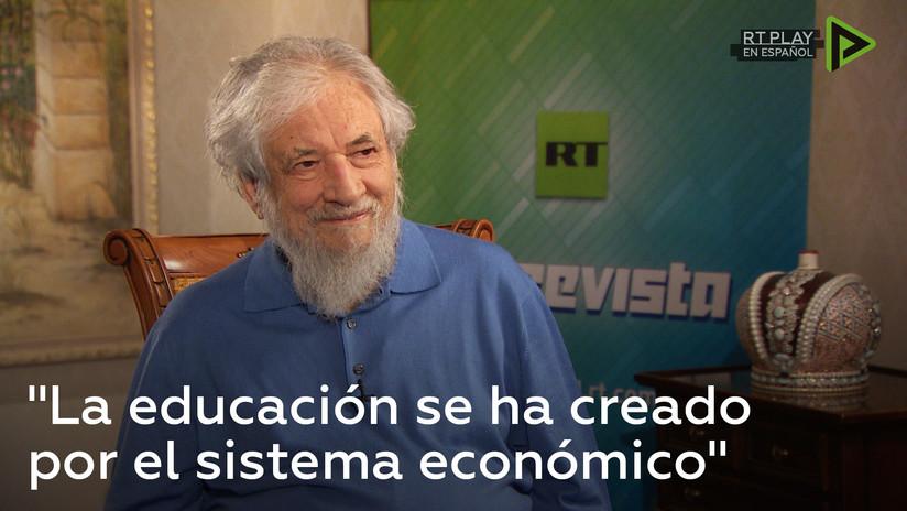 """Claudio Naranjo: """"La educación se ha creado por el sistema económico"""""""