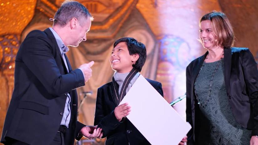 Así es el día a día del 'niño banquero peruano', creador del único banco ecológico del mundo