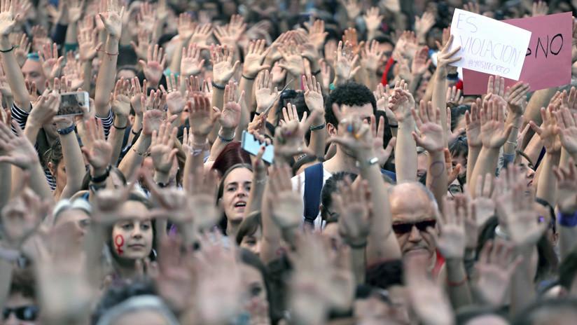 """Cierra una web en España que ofrecía """"un tour"""" de la noche de los abusos sexuales de La Manada"""