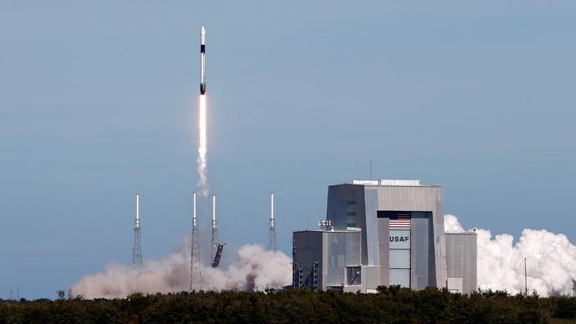 VIDEO: La empresa SpaceX lanza el cohete Falcon 9