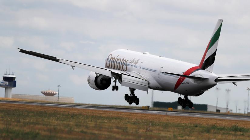 Avión Bling 777 maravilla al mundo al estar lleno de diamantes