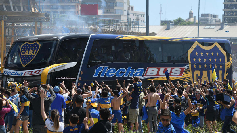Condenan a hincha de River Plate por apedrear el autobus de Boca Juniors pero queda en libertad