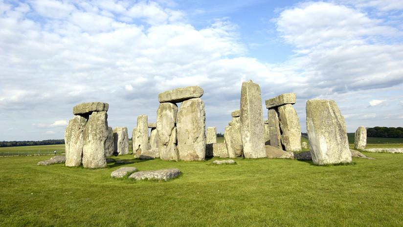 """""""Farsa"""": Arqueólogos se indignan por daños causados cerca de Stonehenge por contrucción de un túnel"""