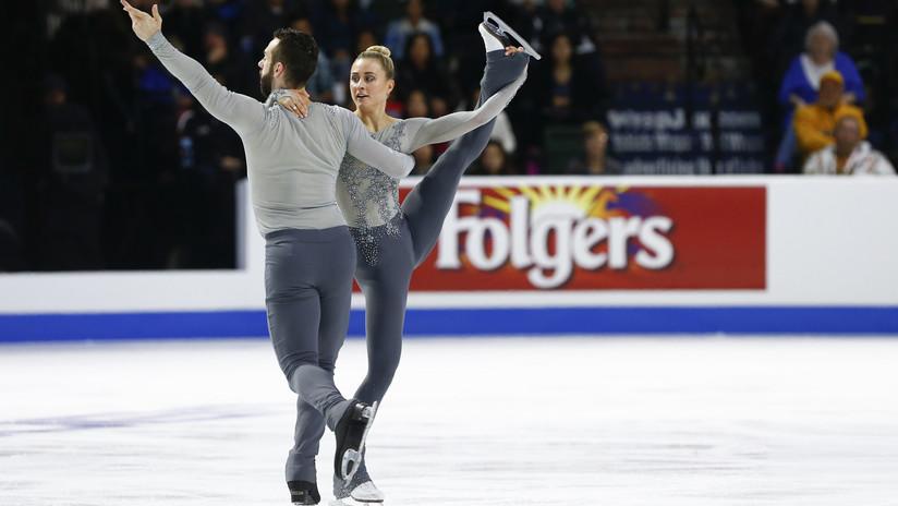 VIDEO: Un patinador deja caer a su pareja y ella se golpea la cabeza contra el hielo