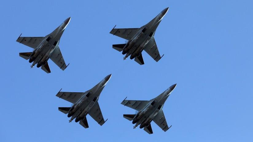 VIDEO: Сazas Su-35S representan una batalla aérea en el Lejano Oriente ruso