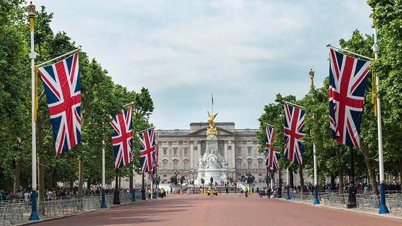 Escándalo real: Fallece impune exchófer de la reina Isabel II que abusó sexualmente de dos menores