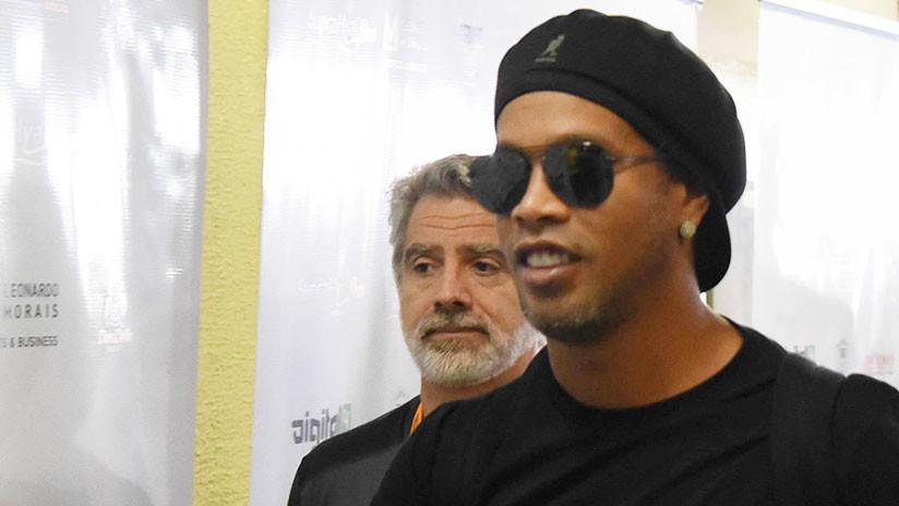 Ronaldinho utilizó un doble para eludir a la prensa en Sao Paulo