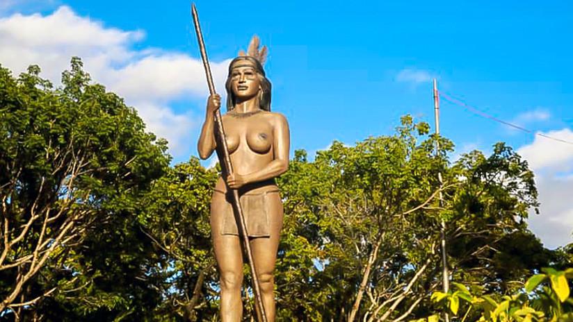 ¿Quién es Apacuana, la indígena cuya escultura en Caracas ha generado comentarios discriminatorios?