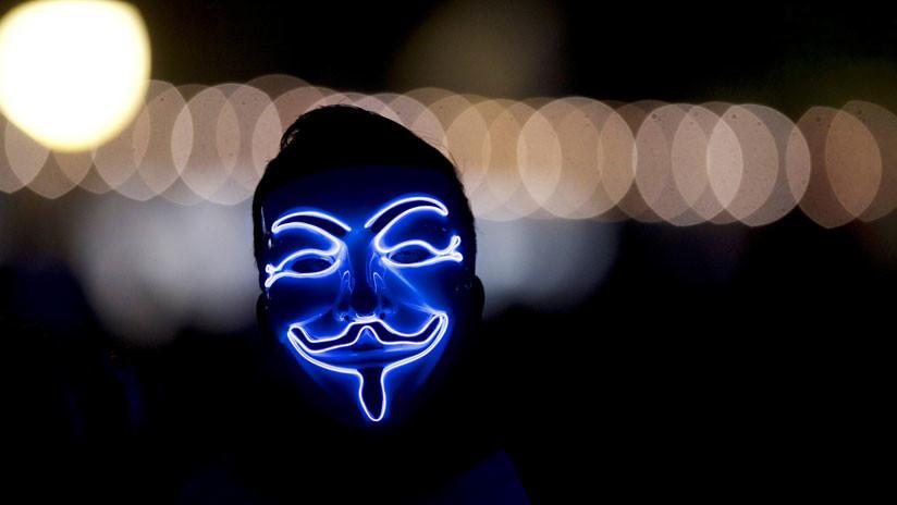 Anonymous 'hackea' la web del partido de extrema derecha español Vox