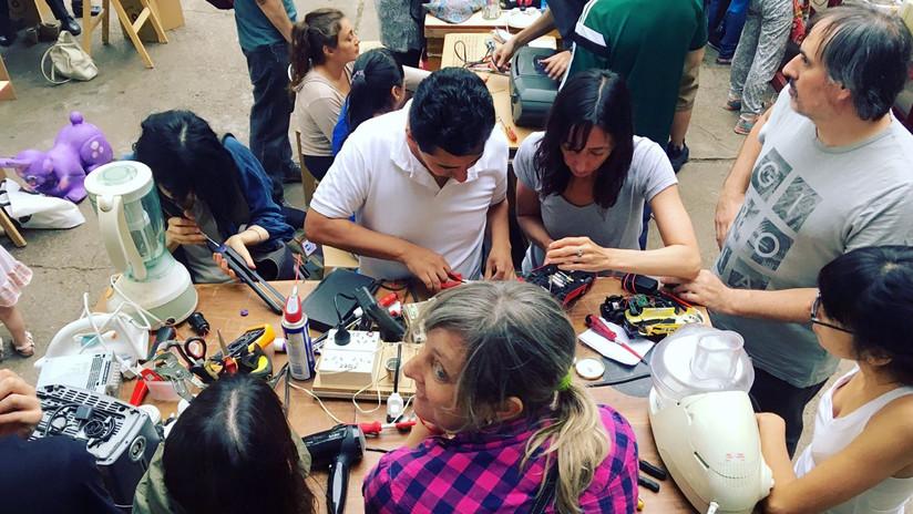 VIDEO: El Club de Reparadores en Argentina evita que tus objetos preciados acaben en la basura