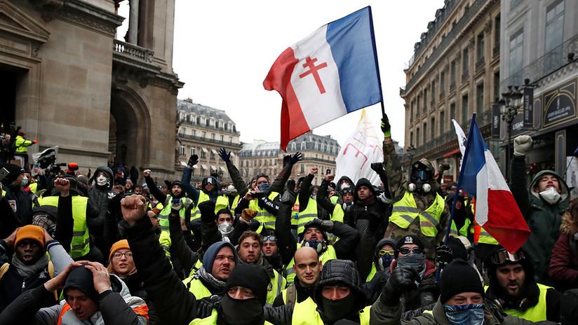 Quinto acto: Los 'chalecos amarillos' vuelven a manifestarse en París, pero las protestas menguan