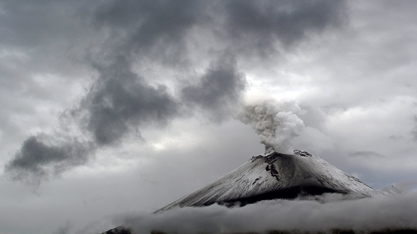 VIDEO: Así es como hay que protegerse de la caída de ceniza del volcán Popocatépetl