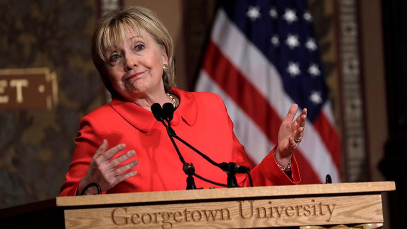 Hillary Clinton consuela por carta a una niña de 8 años que perdió unas elecciones escolares