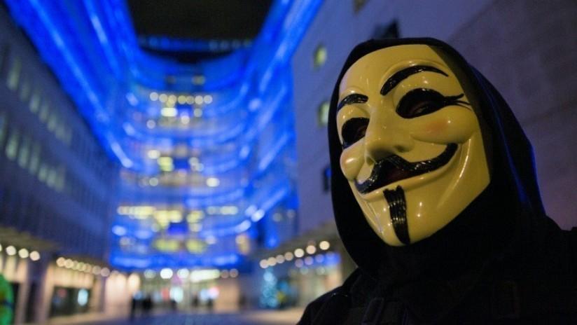 """""""Guerra de información"""" e """"injerencia en política interna"""": Anonymous destapa una campaña británica"""