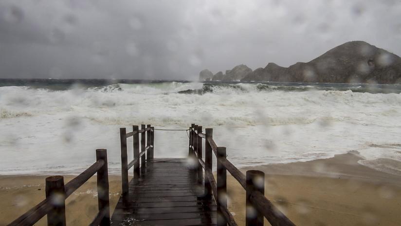 Olas erráticas e impredecibles amenazan a la costa de California: ¿Qué está pasando?