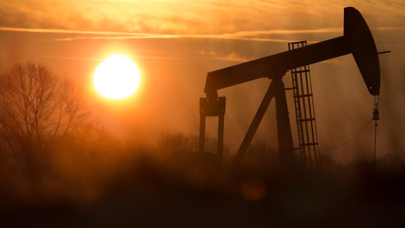 Lo que se esconde detrás del hundimiento de los precios del petróleo