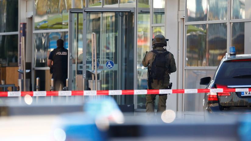 Al menos diez heridos por el choque de un automóvil contra una parada de bus en Alemania