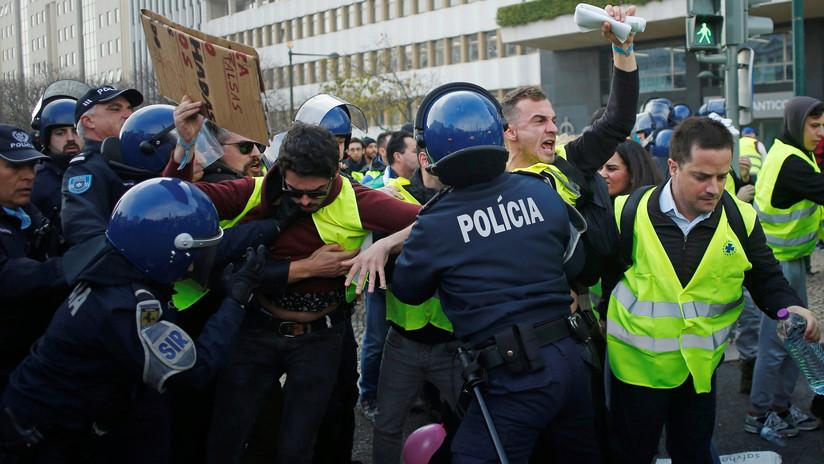 """""""Esto se va a complicar, el pueblo está sufriendo"""": Los 'chalecos amarillos' se expanden por Europa"""
