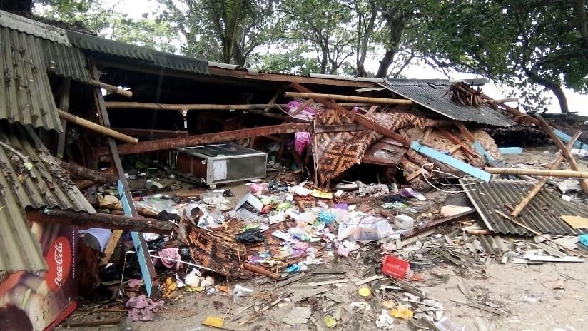 VIDEO: Momento en que el tsunami irrumpe en pleno concierto arrasando a todos en Indonesia