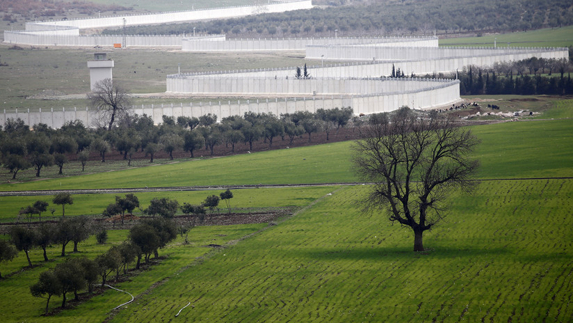 Reportan que Turquía envía un nuevo convoy militar a la frontera con Siria