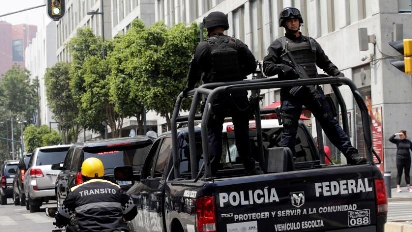 Investigan filtración de dos videos de una emboscada a policías grabada por sicarios en México