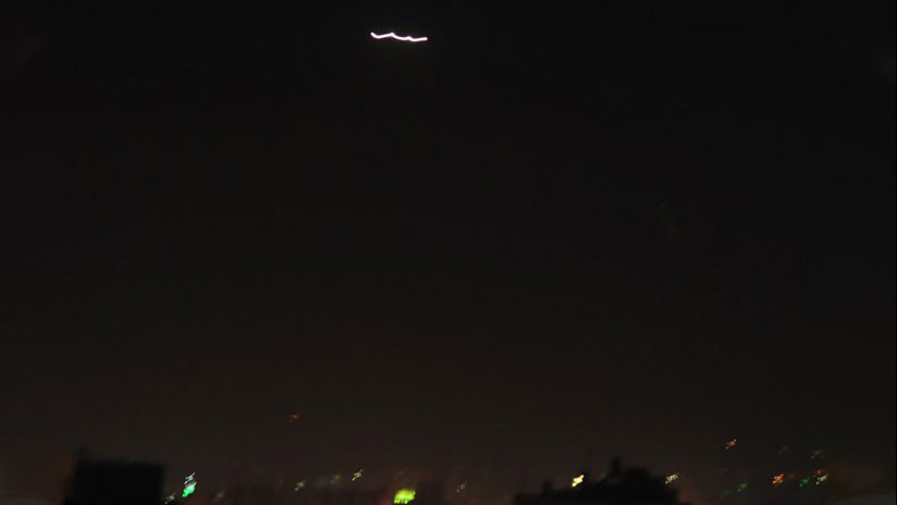 La defensa antiaérea siria responde a un ataque con misiles sobre Damasco (VIDEO)