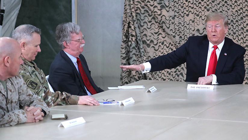 """Trump no se reunió con los líderes de Irak durante su visita sorpresa debido a """"desacuerdos"""""""