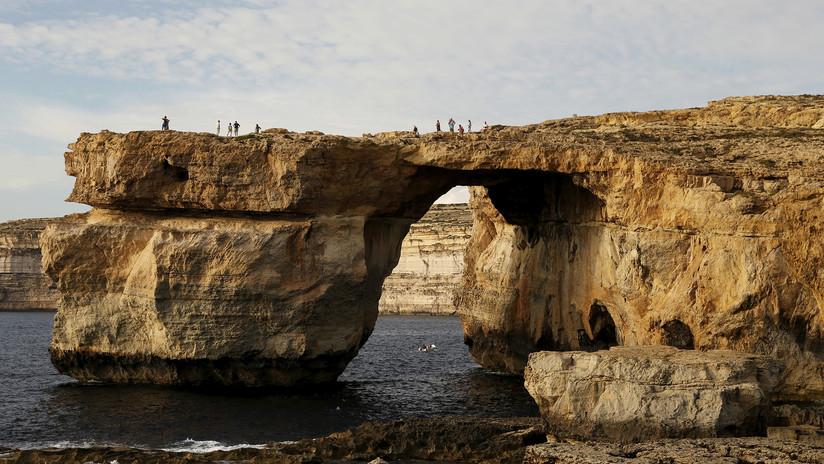 Arquitecto ruso diseña una 'prótesis futurista' para el derrumbado arco rocoso de Malta (VIDEO)