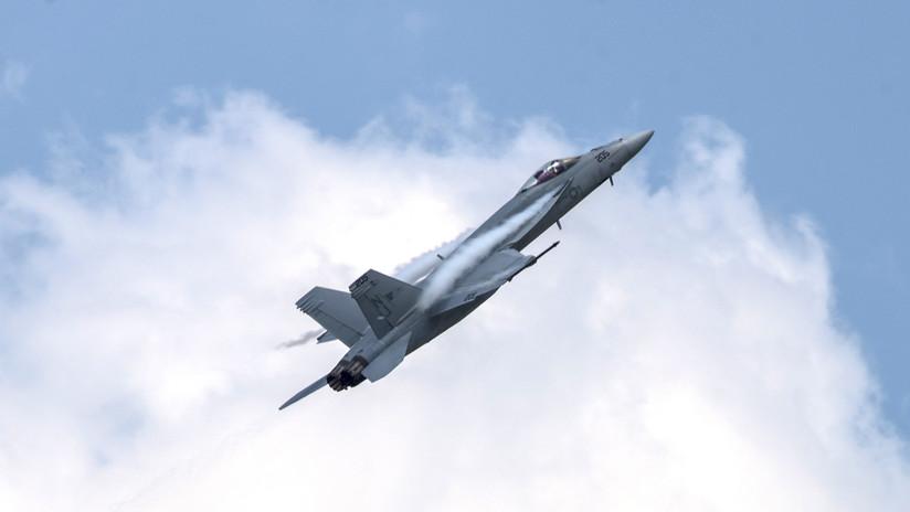 VIDEO: Momento exacto en que un rayo alcanza el casco de un piloto de caza kuwaití