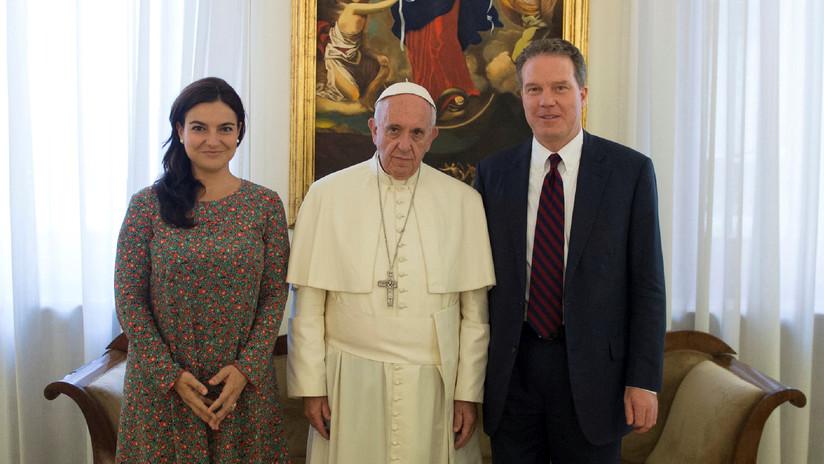 El portavoz y la viceportavoz del Vaticano abandonan su cargo