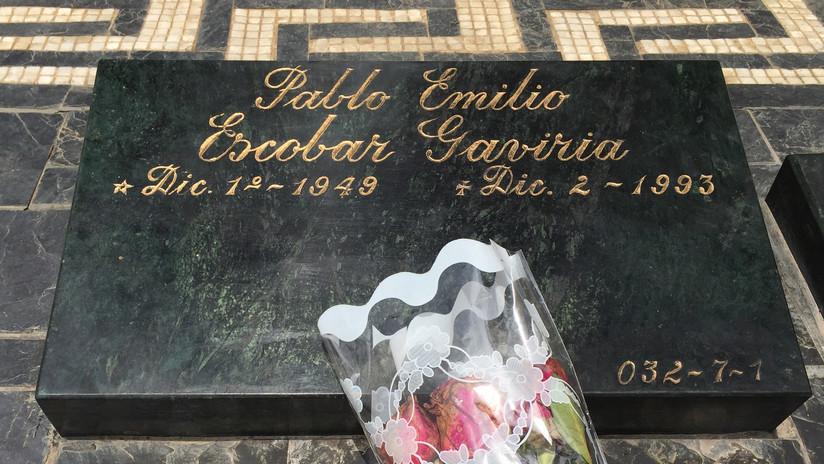 La vida de un británico se convirtió en una pesadilla tras esnifar cocaína sobre la tumba de Escobar