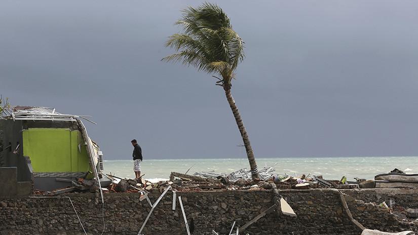 Tsunami en Indonesia deja al menos 373 muertos y casi 1400 heridos 5c20f95ee9180f13348b4567