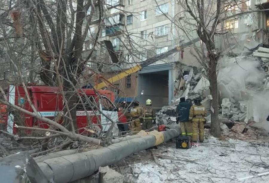 Varios muertos por el derrumbe parcial de un edificio residencial en Rusia 5c29bf16e9180f8b1b8b456a