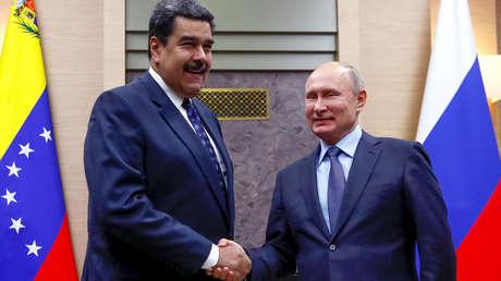 El presidente ruso Vladímir Putin y su homólogo venezolano Nicolás Maduro en las afueras de Moscú, Rusia. 5 de diciembre de 2018.