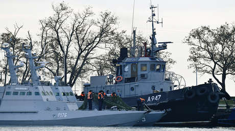 Los buques de la Armada ucraniana Nikopol y Yany Kapu, en el puerto ruso de Kerch, el 26 de noviembre de 2018