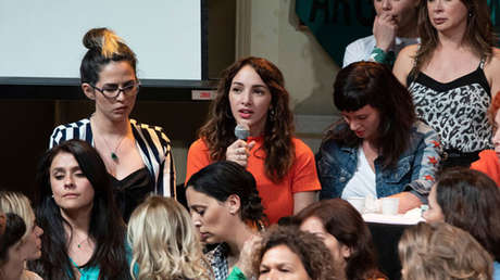 La actriz Thelma Fardín en el acto donde denunció públicamente a Juan Darthés por abuso sexual, el 11 de diciembre del 2018.