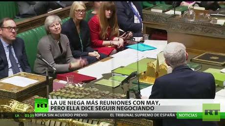 """Theresa May """"continúa"""" negociando por el Brexit, pero en la UE niegan nuevas reuniones"""
