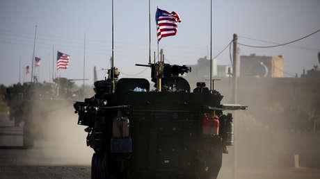 Un convoy estadounidense en la ciudad siria de Manbij, el 5 de marzo de 2017.