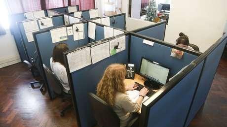 Trabajadoras de la línea 144 de la Dirección General de Mujeres.