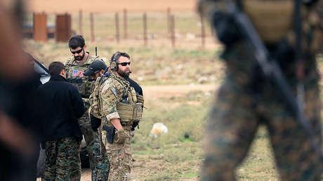 Soldados estadounidenses patrullan cerca de la frontera turca en Hasaka (Siria), el 4 de noviembre de 2018.