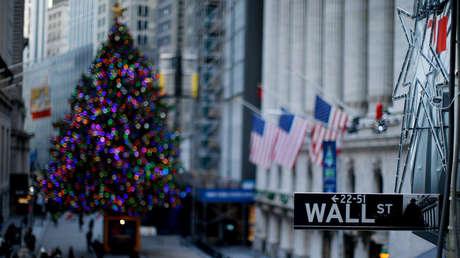 Un letrero cerca de la Bolsa de Nueva York (NYSE) en esa ciudad estadounidense, el 27 de diciembre de 2018.