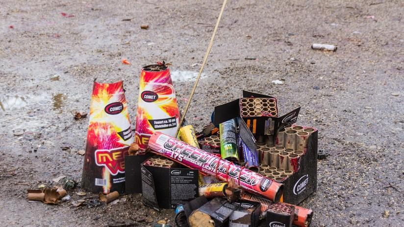 """La contaminante """"tradición"""" de lanzar cohetes pirotécnicos en México"""