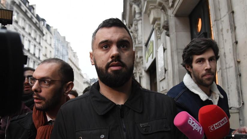 """Detienen al líder de los 'chalecos amarillos' por """"organizar una protesta sin notificación"""" en París"""