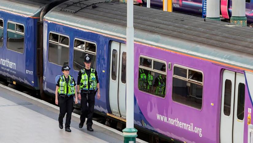 Matan a cuchilladas a un hombre en un tren cerca de Londres