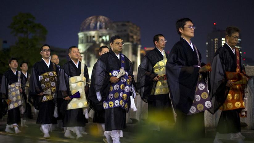 VIDEOS: Una multa vial lleva a monjes budistas a mostrar todo lo que pueden hacer vestidos de hábito