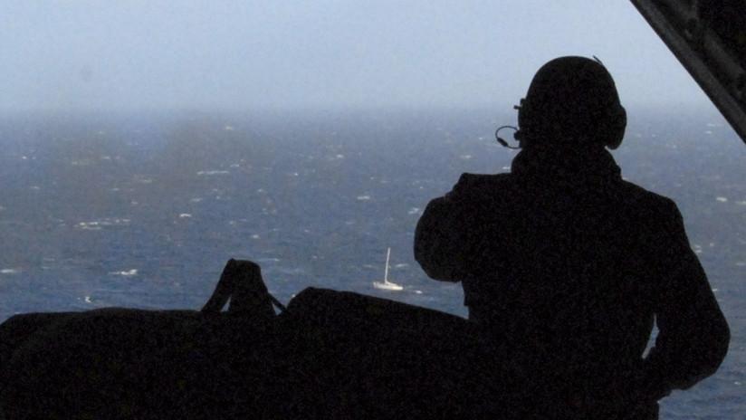 VIDEO: Un buque con 3.500 autos Nissan navega a la deriva y sin tripulación tras incendiarse